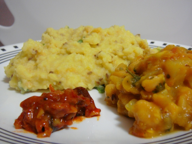 Khichdi, Channa and Mango Thokku.