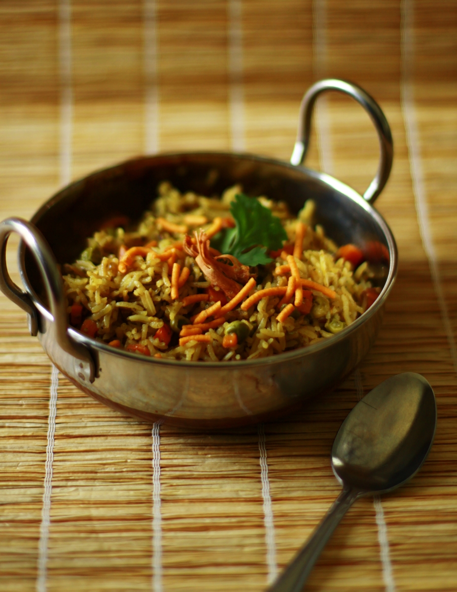 Fragrant Green Pulav - One Pot Dishes.